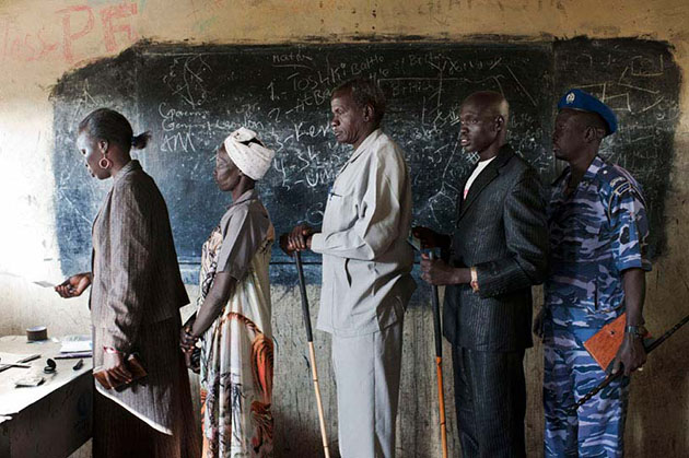 The first day of the referendum on January 9th, 2011. Bentiu inhabitants in Unity State stand in line at a polling station before voting.